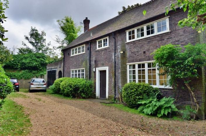 Frognal Lane, Hampstead, London, NW3 - Hampstead, North West London