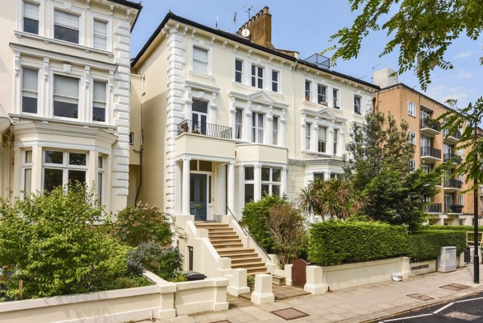 An Exceptionally Large Brand Newly Refurbished Four Bedroom Three Bathroom Duplex With A Private Roof Terrace Arranged Over The Second And Third Floors Of An Imposing House Conversion In The Heart Of Belsize Park The Property Comprises An Ample A
