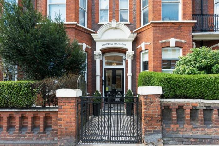 Sandwell Mansions, West End Lane, West Hampstead, London, NW6 - West Hampstead, North West London