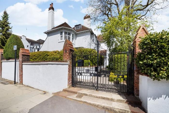 Kidderpore Avenue, Hampstead, London NW3 - Hampstead, North West London