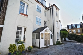 Prince Arthur Mews, Hampstead, London, NW3 - Hampstead, North West London