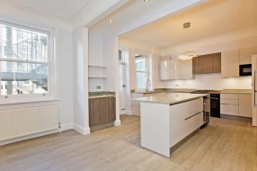Dunrobin Court, Hampstead, London, NW3 - Hampstead, North West London