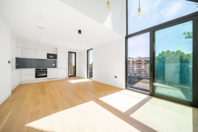 Finchley Road, Hampstead, London, NW3 - Hampstead, North West London