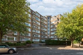 Oslo Court, Prince Albert Road, St Johns Wood, London NW8 - St Johns Wood, North West London