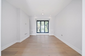Frognal Court, Finchley Road, Hampstead, NW3 - Hampstead, North West London