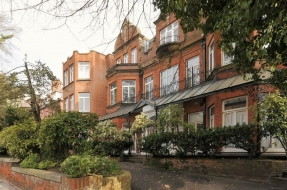 Fitzjohns Avenue, Hampstead, London, NW3 - Hampstead, North West London